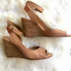 Lucky Brand 🍀 Wedges 6.5